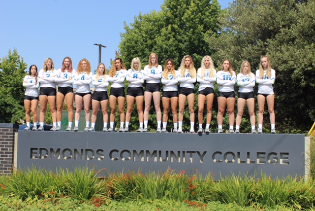 2018 EdCC volleyball team