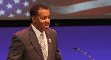 Steve Woodard speaking at a Memorial Day celebration
